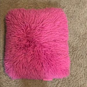 Pink Macbeth collection pillow OS